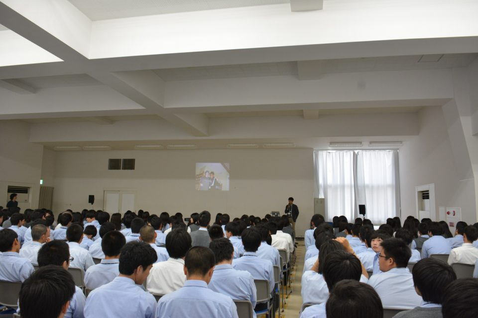 大阪商業大学高等学校で「異文化理解」について講演